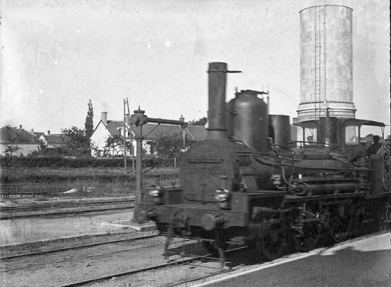 1899 018