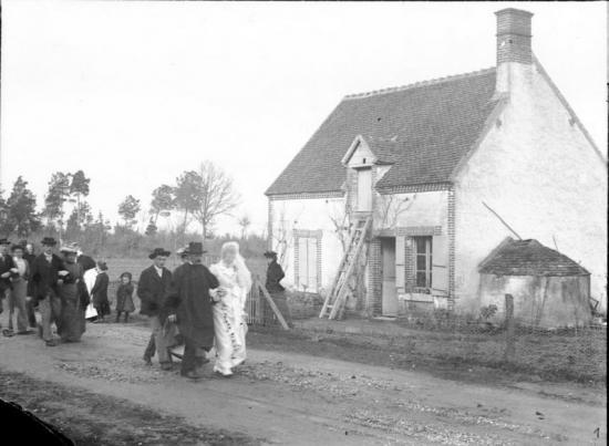 1902 449