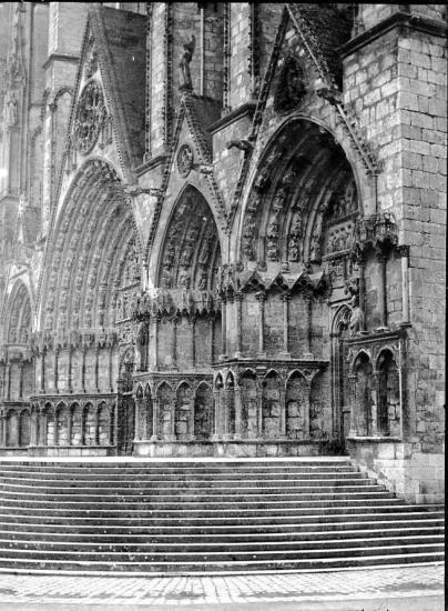 1902 499