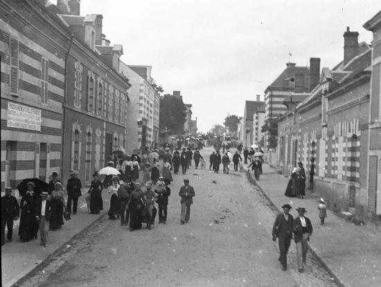 1902 572